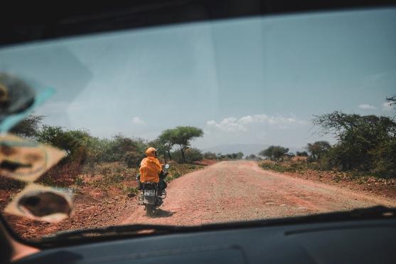 Die staubigen Straßen von Moshi