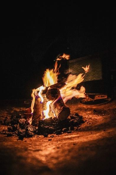 Jeder Abend endete mit einem Feuer